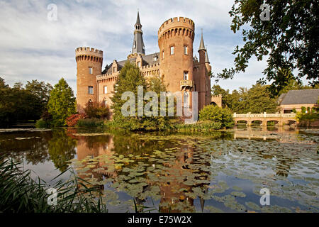 Schloss Moyland Castle, moated castle, Museum of Modern Art, near Bedburg-Hau, North Rhine-Westphalia, Germany - Stock Photo