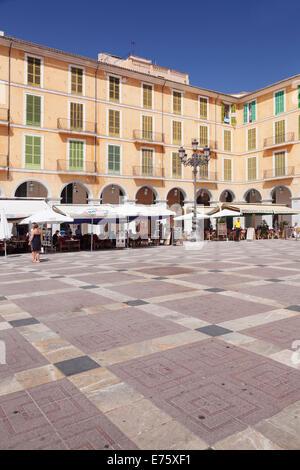 Restaurants and street cafés in Plaça Major, Palma de Mallorca, Majorca, Balearic Islands, Spain - Stock Photo