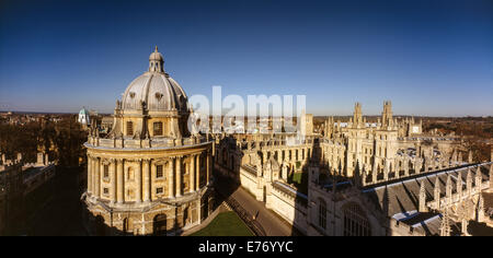 RADCLIFFE CAMERA OXFORD UNIVERSITY WITH ALL SOULS COLLEGE ON RIGHT VIEWED FROM HIGH POINT. Bodleian Library is in the Camera Stock Photo