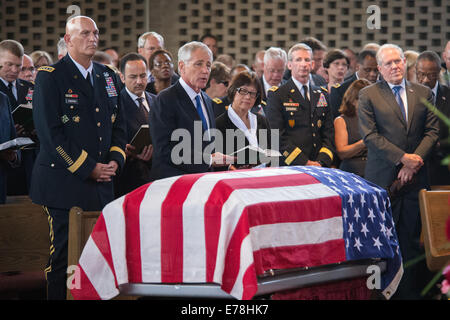 The chief of staff of the U.S. Army, Gen. Raymond T. Odierno, the U.S. secretary of defense, Chuck Hagel, and the - Stock Photo