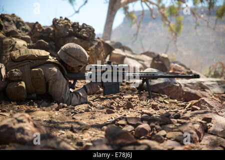 U.S. Marine Corps Lance Cpl. Mina S. Gadelkarim, a rifleman with Scout Sniper Platoon, 1st Battalion, 5th Marine - Stock Photo