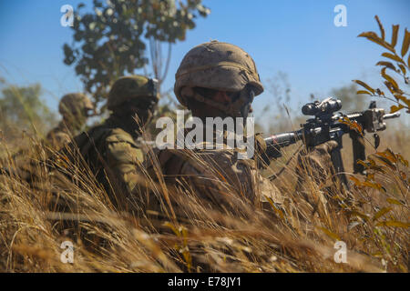 U.S. Marines with the 1st Battalion, 5th Marine Regiment, Marine Rotational Force-Darwin and Australian soldiers - Stock Photo