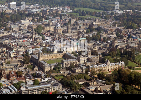 aerial view of Oxford city centre with University Colleges and the Bodleian Library prominent - Stock Photo