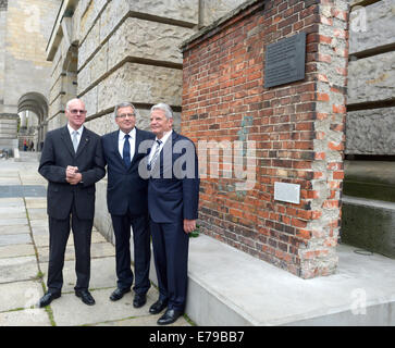 Berlin, Germany. 10th Sep, 2014. Polish President Bronislaw Komorowski (C), German President Joachim Gauck (R), - Stock Photo