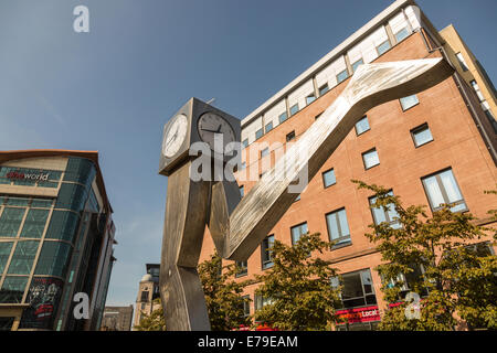 GEORGE WYLLIE'S CLYDE CLOCK public art exhibition, Killermont Street, Glasgow, Scotland, UK - Stock Photo