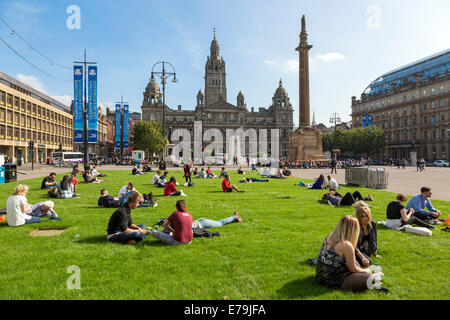 Glasgow, Scotland, UK. 10th Sept, 2014. Exceptionally high September temperatures and a long period of sunny weather - Stock Photo
