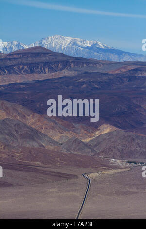 State Route 190 through Panamint Valley towards Panamint Springs, Death Valley National Park, Mojave Desert, with - Stock Photo