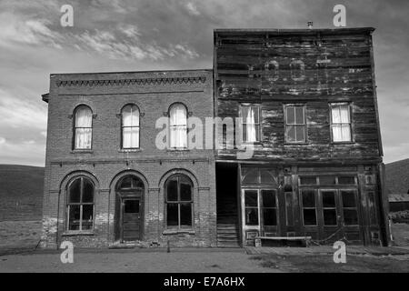 Bodie Post Office and IOOF Hall, Bodie Ghost Town ( elevation 8379 ft / 2554 m ), Bodie Hills, Mono County, Eastern - Stock Photo