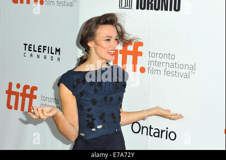 Toronto, Ontario, Canada. 10th Sep, 2014. Actress Keira Knightley is hit by wind at the 'Laggies' premiere during - Stock Photo