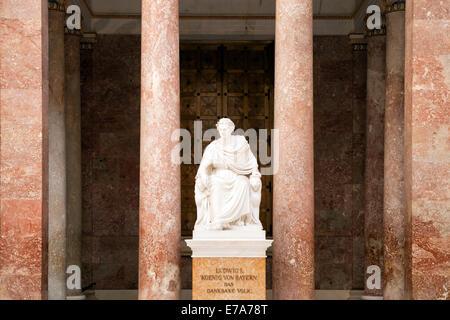 statues at the Walhalla memorial above the Danube River ... |Inside Walhalla Memorial