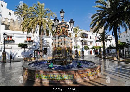 Spain cadiz plaza de espana statue on monument to for Azulejos cadiz