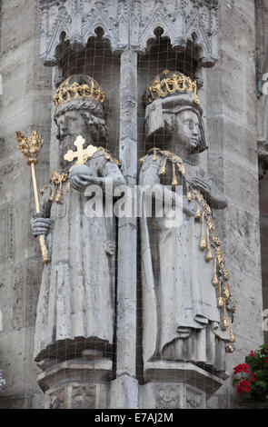 Emperor Otto I. and Adelaide, Figures of the historic Town hall, Old town market square, Brunswick, Lower Saxony, - Stock Photo