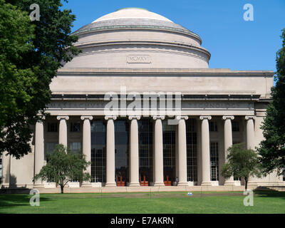 Barker Engineering Library. The Great dome building 10 MIT Cambridge MA - Stock Photo