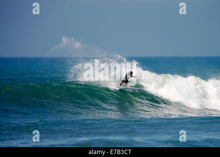 San Clemente, California, USA. 11th September, 2014. Carlos Munoz (Costa Rica), powered through the opening round - Stock Photo