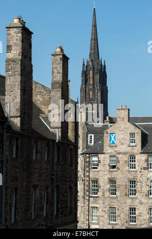 Looking down Candlemaker Row to the corner of Merchant Street and the Grassmarket in the Old Town, Edinburgh - Stock Photo
