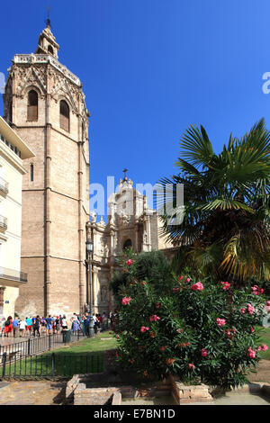 Plaza de la Reina with the El Miguelete bell tower, Valencia Cathedral Santa Maria, Valencia City, Spain, Europe. - Stock Photo
