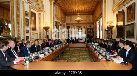 London, Britain. 12th Sep, 2014. Chinese Vice Premier Ma Kai (3rd R) and British Chancellor of the Exchequer George - Stock Photo