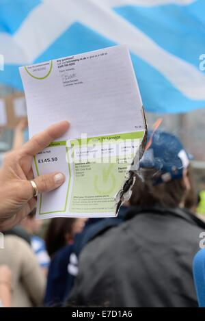 TV license burning. Glasgow, Scotland. 14th September, 2014. BBC Protest march. A significant amount of 'yes' voters - Stock Photo