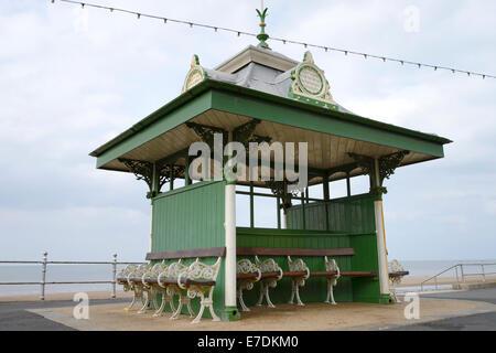 Public shelter on the promenade in Blackpool, Lancashire - Stock Photo