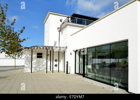 Restored 1930s art deco WWII West Malling Airfield control tower, now an office & coffee shop on the Kings Hill - Stock Photo