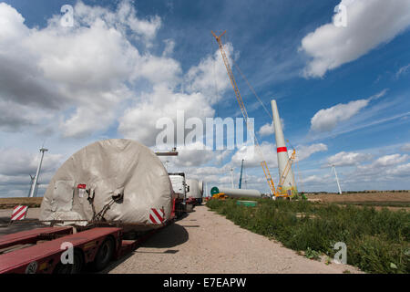 installation of a wind turbine, schönermark, uckermark, brandenburg, germany - Stock Photo