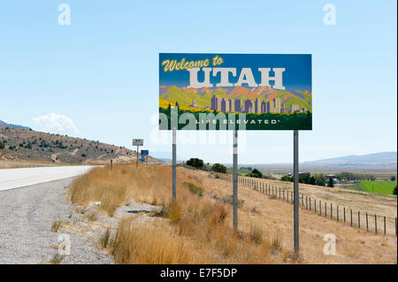 Welcome sign on a highway, 'Welcome to Utah, Life elevated', Utah, USA - Stock Photo