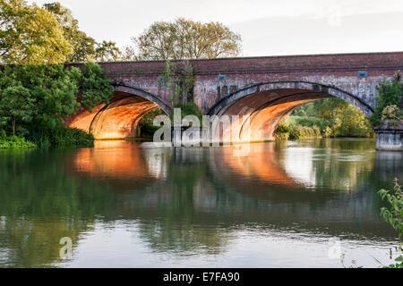 Gatehampton Railway Bridge, designed by Isambard Kingdom Brunel. Lower Basildon, Berkshire, England, GB, UK. - Stock Photo