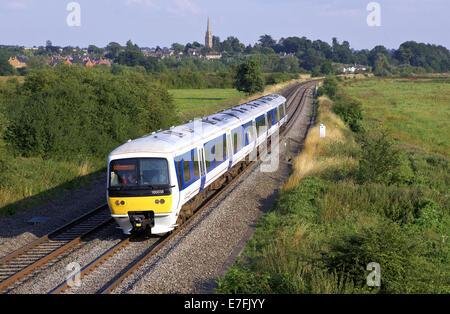 Ciltern Railways class 165 no. 165038 passes through Banbury with 1R58 1718 London Marylebone to Birmingham Moor - Stock Photo