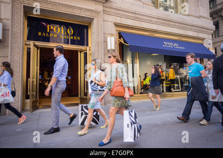 Ralph lauren polo retail store facade window fifth avenue for Ralph lauren 5th ave nyc