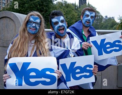 Edinburgh, Scotlland. Scottish Independence Referendum. 17th Sept. 2014. On the evening before Scotland votes three - Stock Photo