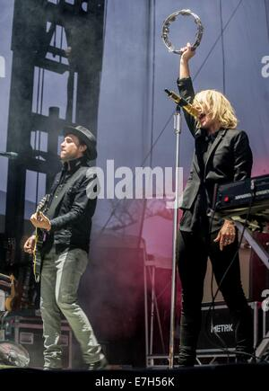 Chicago, IL, USA. 13th Sep, 2014. Musician EMILY HAINES and JAMES SHAW of the band Metric performs live at 2014 - Stock Photo