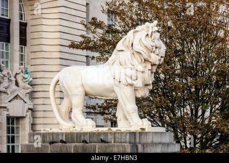 The South Bank Lion, London, England - Stock Photo