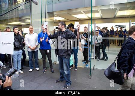 Sydney, Australia. 19th Sep, 2014. David Rahimi editor-in-chief at PhoneBuff.com from Laguna Hills, California is - Stock Photo