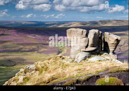 The Boxing Glove Stones overlooking Black Ashop Moor, Kinder Scout, Peak District National Park, Derbyshire, England - Stock Photo