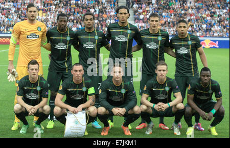 Salzburg, Austria. 18th Sep, 2014.Celtic Glasgow's players pose for a group picture prior to the Europa League soccer - Stock Photo