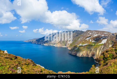 The Slieve League cliffs from the viewpoint outside Teelin, County Donegal, Republic of Ireland - Stock Photo
