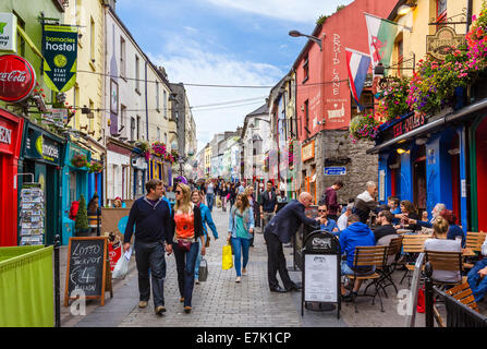 Pubs, restaurants and shops on Quay Street in Galway City Latin Quarter, County Galway, Republic of Ireland - Stock Photo
