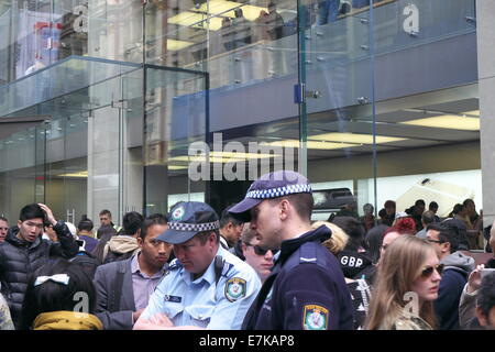 Sydney, Australia. 19th September, 2014. Police on the beat during operation hammerhead at the busy public area - Stock Photo