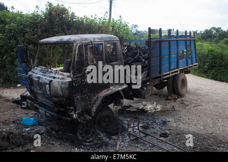 San Juan Sacatepequez, Guatemala. 20th Sep, 2014. Remains of a burned truck are seen in the site where a series - Stock Photo