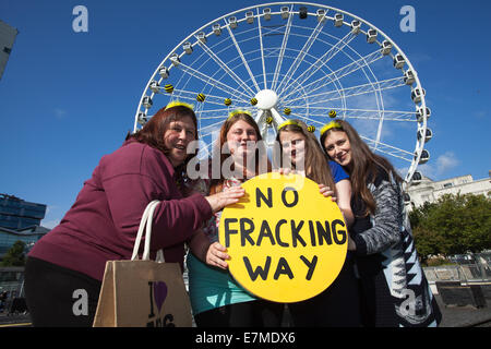 Manchester, UK  21st September, UK. Circular Images.  Libby, Emilie, Racheal, and Sarah Cooper at the Frack Free - Stock Photo