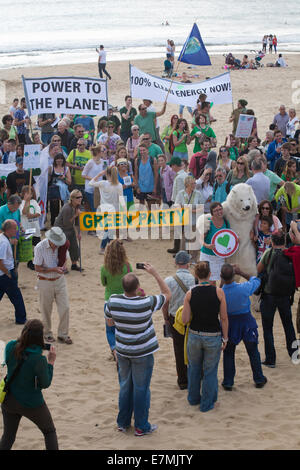 Bournemouth, UK. 21st Sept 2014. Climate march in Bournemouth, Dorset, UK. Campaigners call for clean energy in - Stock Photo