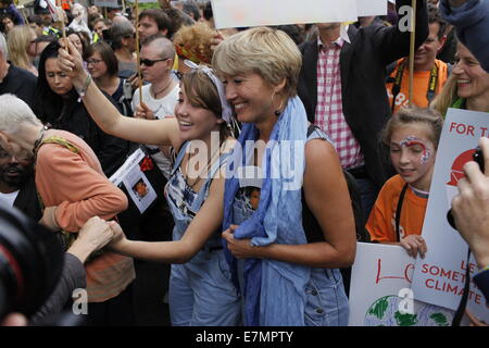 London, UK. 21st Sep, 2014. Emma Thompson joins thousands of people take to the streets of London for the Peoples - Stock Photo