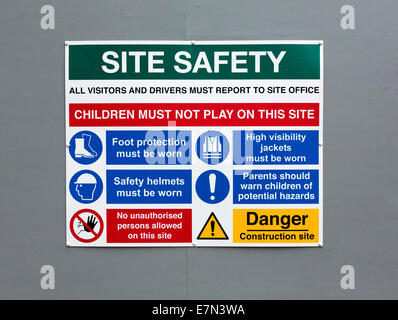 health and safety warning sign outside a construction site in the UK - Stock Photo