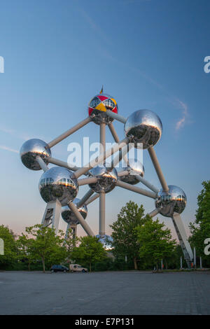 Atomium, spheres, Belgium, Europe, Brussels, architecture, balls, city, colourful, expo, famous, evening, touristic, - Stock Photo