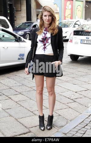 Carlotta Daniele arriving at the Byblos Milano Spring 8d4eed5295af