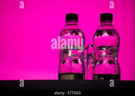 MANCHESTER, UK. 23rd September, 2014. Some bottled water on the speakers' stage on day three of the Labour Party's - Stock Photo