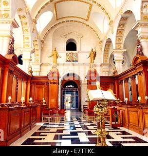 St. Brides Church Interior Fleet Street London UK - Stock Photo