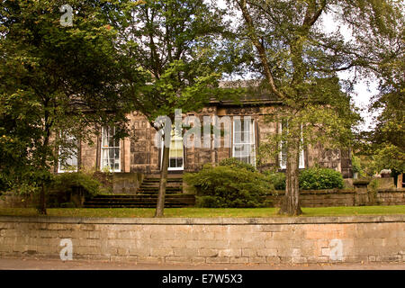 'The Vine' is a 19th Century deluxe 1836 Georgian Town House at 43 Magdalen Yard Road Dundee, UK - Stock Photo