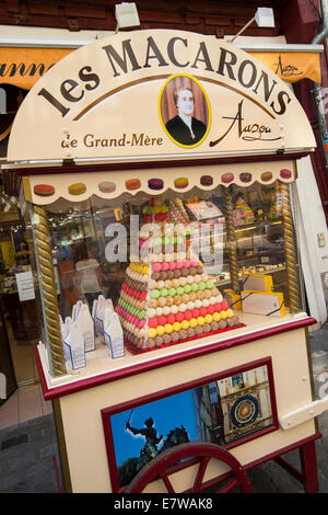 Les Macarons for sale on the street in Rouen, France Europe - Stock Photo