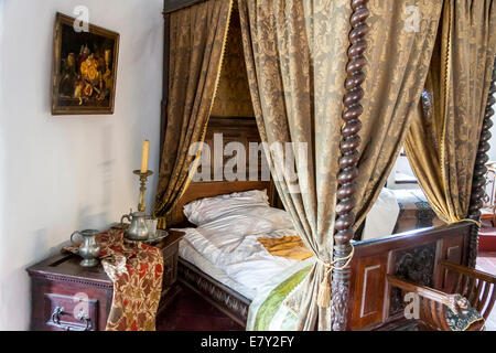 Royal bedroom in Niedzica Castle. - Stock Photo